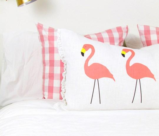 Flamingo-Pillow1-2