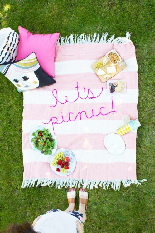 Summer Picnic Blanket via Lovely Indeed | Francois et Moi