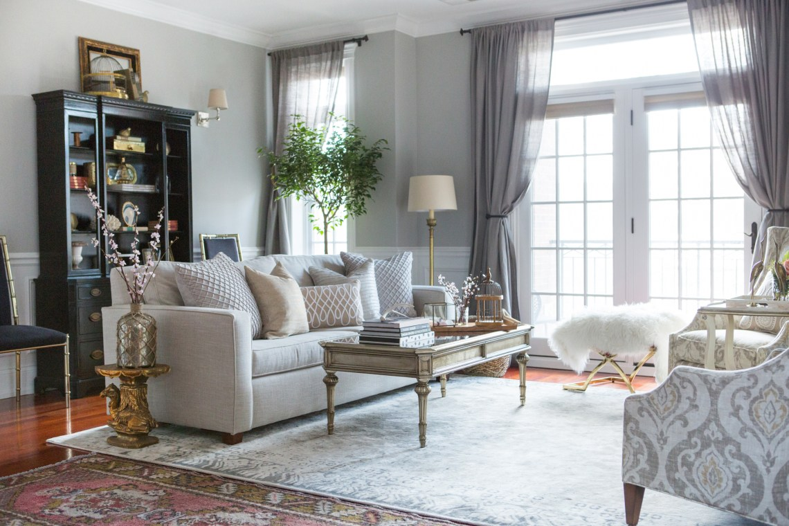 Mixing styles in our homes can be hard to pull off, so I've called in a designer expert to help de-mystify the process! Click through for design insight!