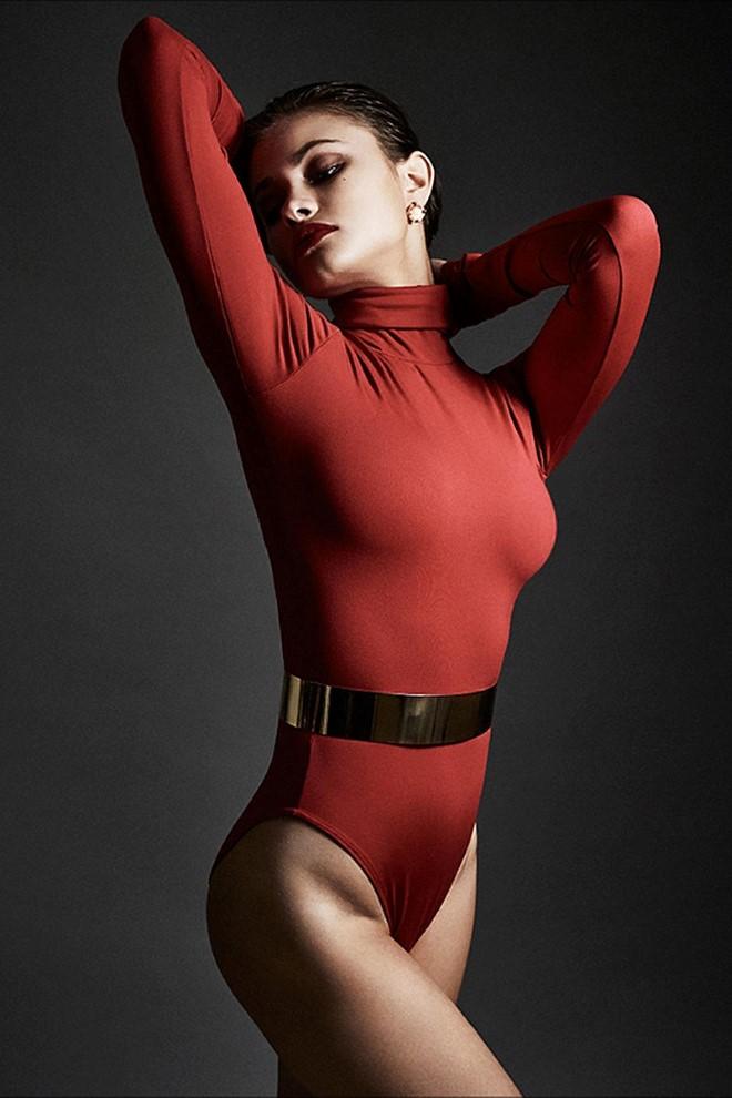 yara_khmidan_sexy_booty_cheeks_02-1a853dda_web