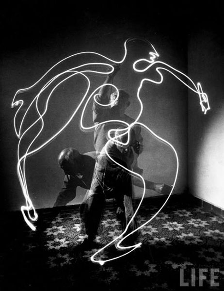 Picasso Drawing with Light, 1949, by Gjon Mili