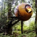 The Free Spirit Spheres: Suspended Spherical Tree Houses
