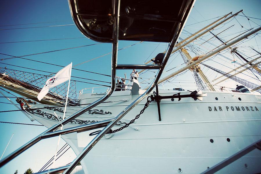 Wozaczinski Dagmara+Maciek 09 Married on a Boat in a Beautiful Sailor Outfit