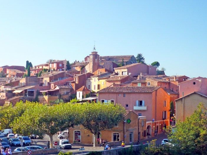 The village of Roussillon © French Moments
