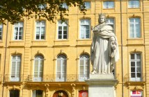 Cours Mirabeau, Aix-en-Provence © French Moments