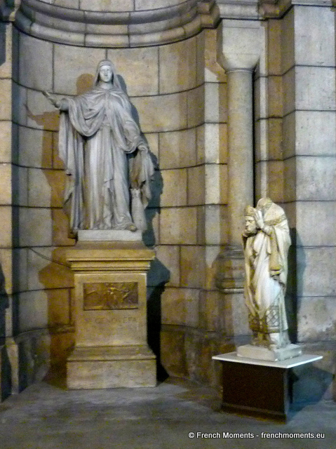 Statue of Saint Denis © French Moments
