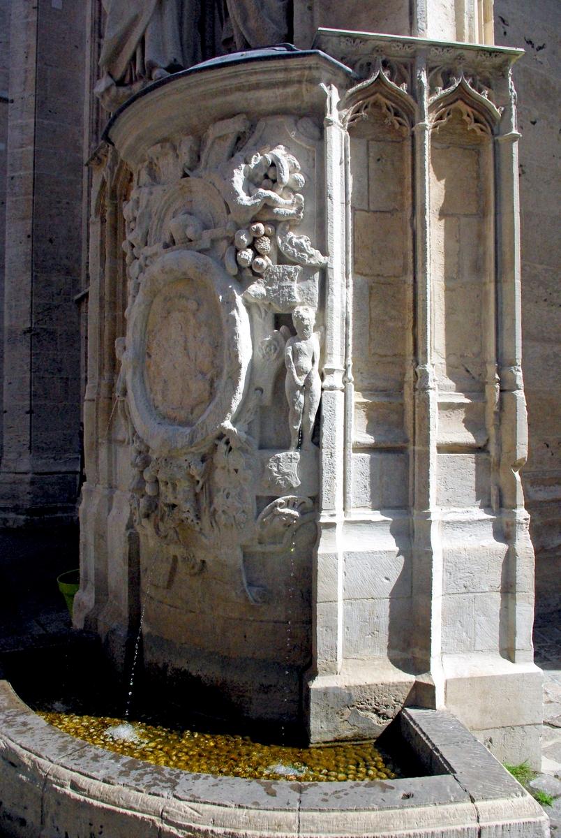 renaissance fountain by saint maclou church in rouen. Black Bedroom Furniture Sets. Home Design Ideas