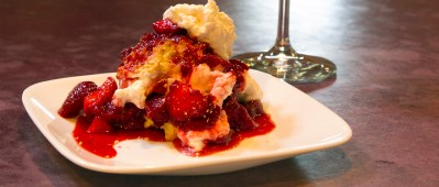 strawberry gris shortcake recipe at fresh tracks farm, vermont