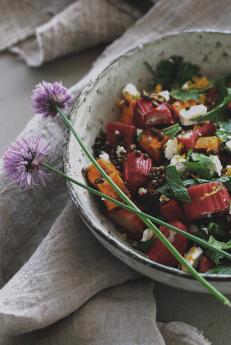 rhubarb-lentil-salad.