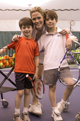SportsCenter anchor Chris McKendry practices tennis with her sons. (John Atashian/ESPN Images)