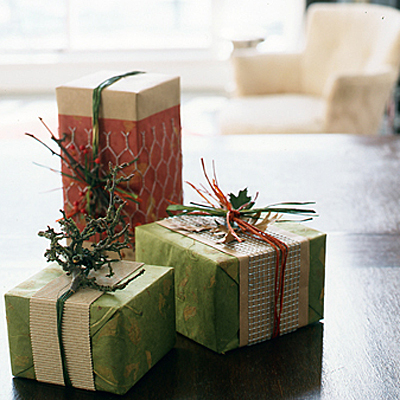 Creative Christmas wrap By Brendan Power - Clinton Hussey