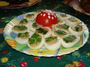 oua-umplute-decorate-cu-ciupercuta