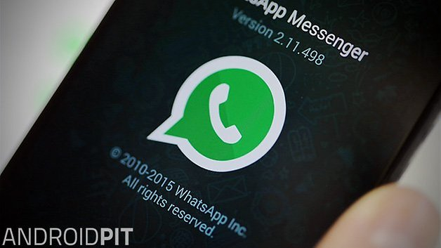 WhatsApp  Send  button appears in Facebook for Android   AndroidPIT whatsapp messenger closeup teaser