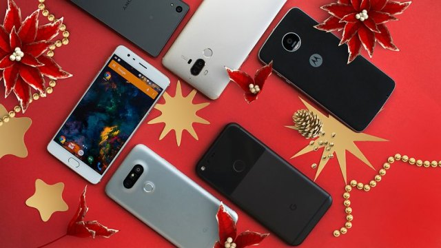 AndroidPIT best smartphones christmas 2 flowers