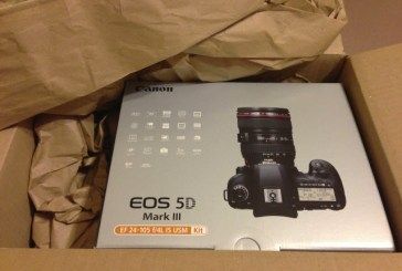 Internet Buyer Receives Laminate Flooring After Ordering a 5D MKIII From Dell.com