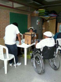 En Buenos Aires voto asistido - Recinto Esc.Jornada Simple N'08 Judith Demetrio Demarchi .