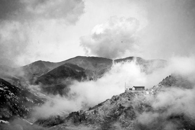 """""""Niebla Vall de Nuria"""" por Adrián Fernández López con Fuji X-E1."""