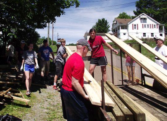 TEAMeffort sends hundreds of young volunteers to work in West Virginia