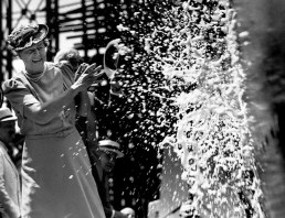 31 Aug 1939, Newport News, Virginia, USA --- First Lady at Ship Launching --- Image by © Bettmann/CORBIS