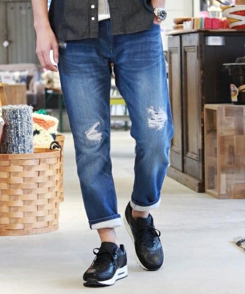 チノパンツの厳選メンズコーデ!どんなスタイルにも合う万能パンツの着こなし術      の1枚目の画像