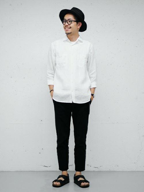 白リネンシャツの春夏メンズコーディネート画像5