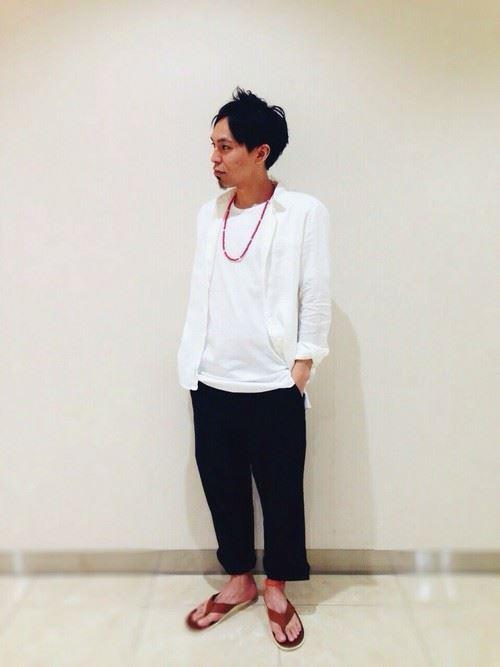 白リネンシャツの春夏メンズコーディネート画像6