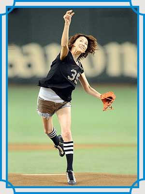 米倉涼子 始球式 2013年
