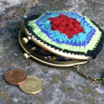 Geldbeutel häkeln mit Blumenmuster