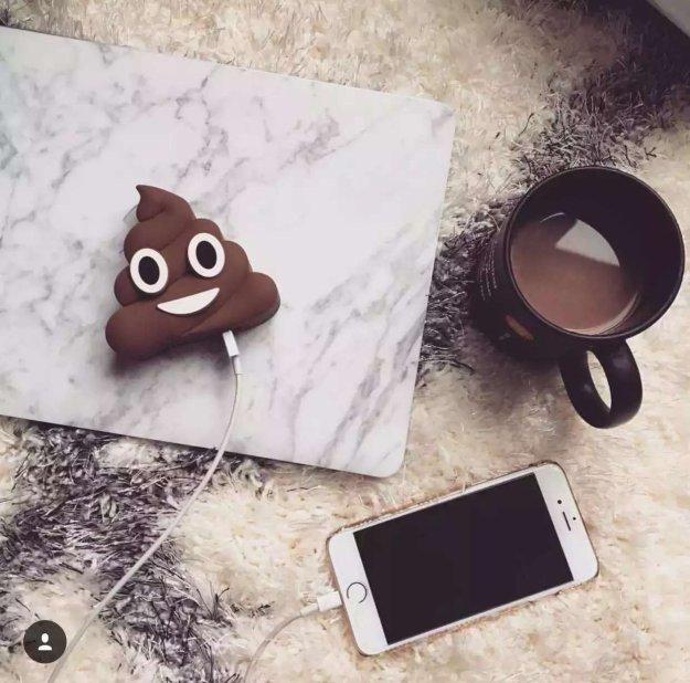 poop-emoji-charger
