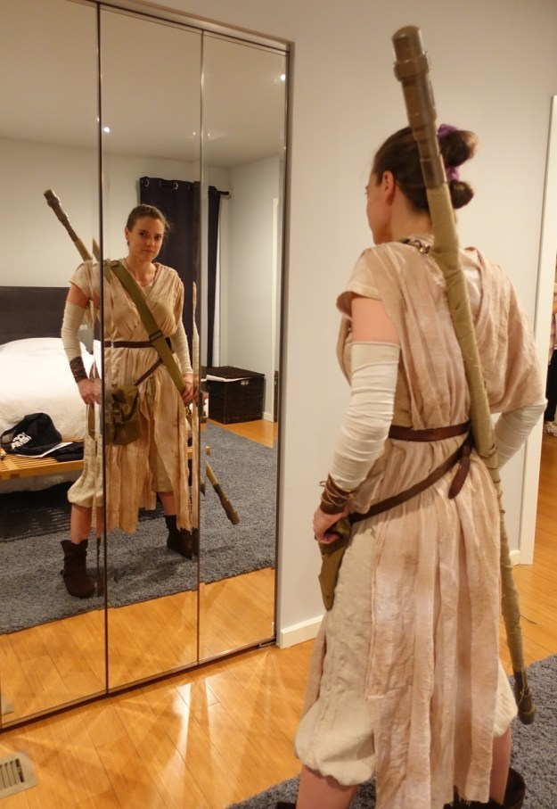 rey cosplay front and back