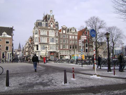 2012257