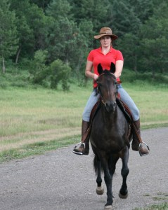 Laura riding Gralha M.U.G.