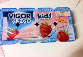 Petit Suisse Grego Morango Vigor Kids