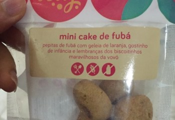 Mini Cake de Fubá Best Berry