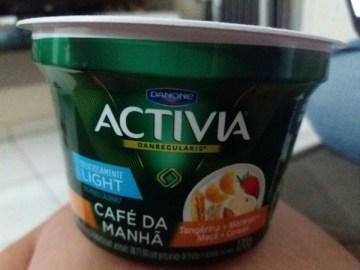 Leite Fermentado Café da Manhã Tangerina, Morango, Maçã e Cereais Light Activia Danone
