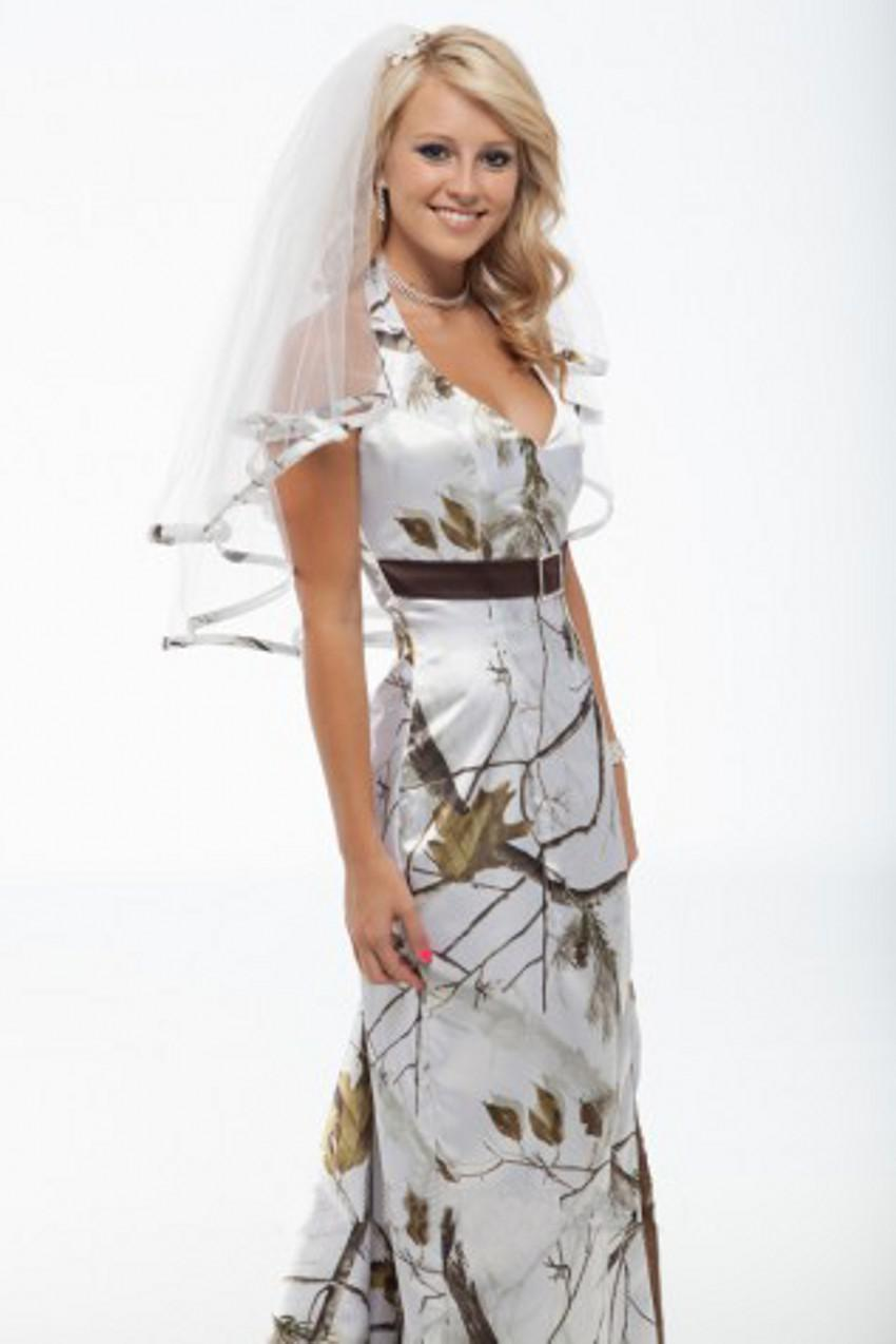 winter camo wedding dress camouflage wedding dress grooms are finding that the scan for the ideal winter wedding dress needs to start as ahead of schedule as could be expected under the circumstances