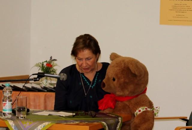 Morgens lesen wir im Stadthaus von Schorndorf. Foto: Janette Bürkle