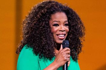September 12, 2014: Oprah Winfrey captivates the audience on stage at The Palace Of Auburn Hills in Auburn Hills, MI. Mandatory Credit: INFphoto.com Ref.: infusny-244/RTNSchwegler|sp|