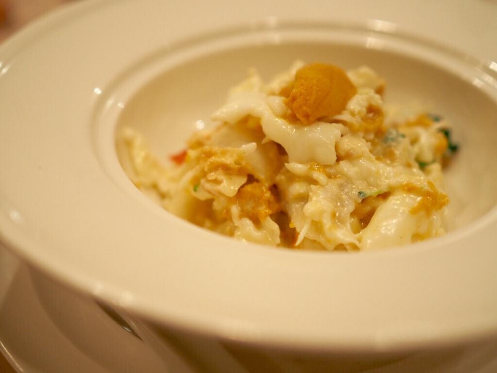 生うにとタラバガニと百合根の卵白炒め