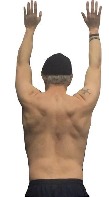 weak shoulders