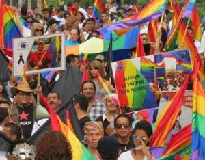 Un orgulloso luchador gay de la resistencia habla abiertamente