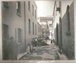 Batsons Lane, Sussex Street, Sydney, c.Jul 1900. Digital ID 12487_a021_a021000034