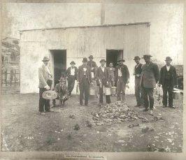 Professional rat catchers, c.Jul 1900. Digital ID 12487_a021_a021000009