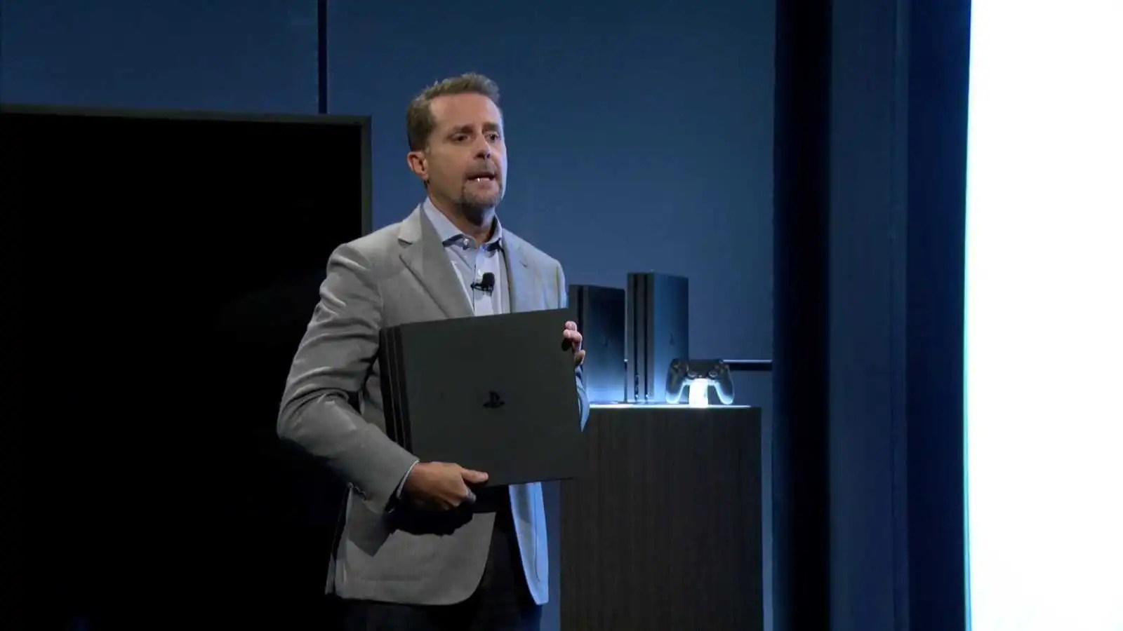 Microsoft ancora sorpresa che PS4 Pro non supporti i Blu-Ray 4K