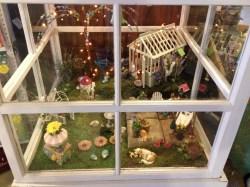 Dining An Greenhouse Fairy Garden Miniature Garden Garden Follies Outdoor Miniature Garden Plants Outdoor Miniature Gardens