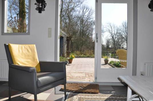 interieur-en-zicht-op-terras