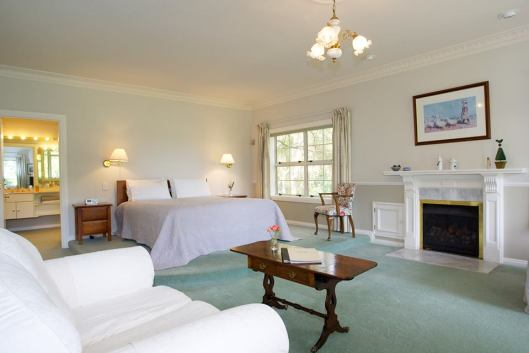 Spacious rooms with old-world charm at Havelock House, Hawke's Bay NZ