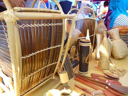 Geliat Kaula Muda Cisewu Berkreativitas Berdayakan Potensi Bambu