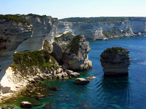 Bonifacio and its cliffs