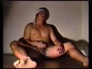 【ゲイ動画】いつの時代も、ペニスが疼けば自然とオナニーをしたくなるものだ…!昭和の雰囲気たっぷりの筋肉系イケメン達が見せる巨根しごき、射精の瞬間は見ごたえ抜群!